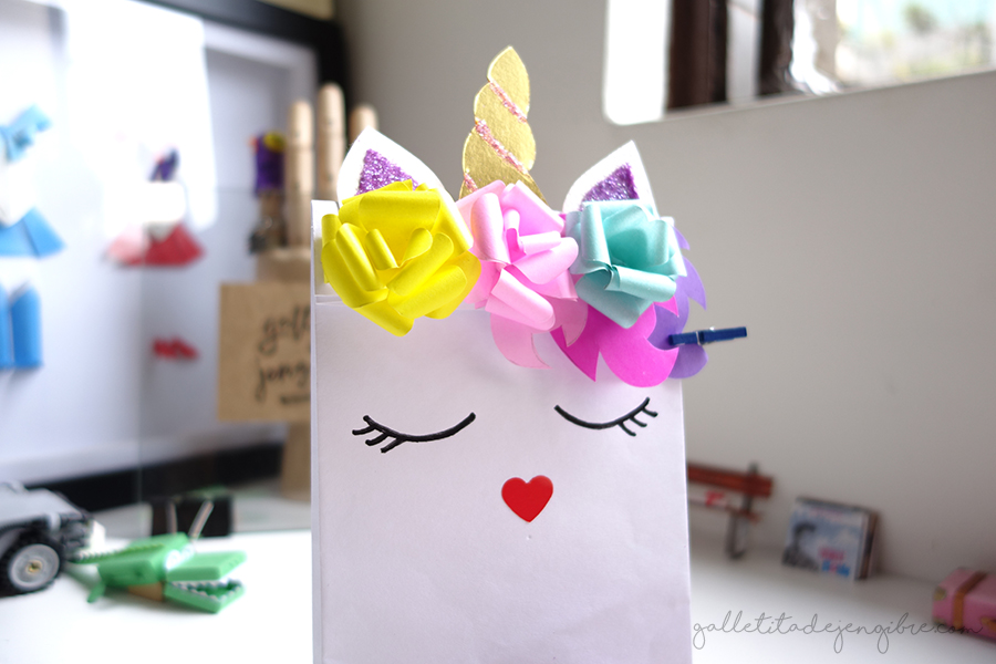 C mo hacer una bolsa de papel decorado como unicornio - Como decorar bolsas de papel ...